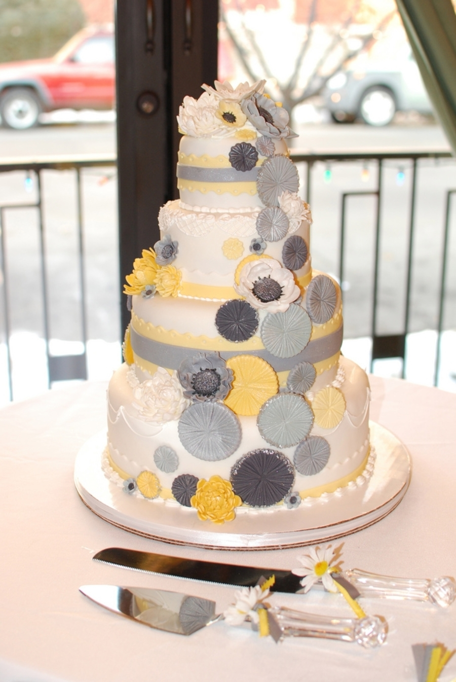 Yellow And Gray on Cake Central