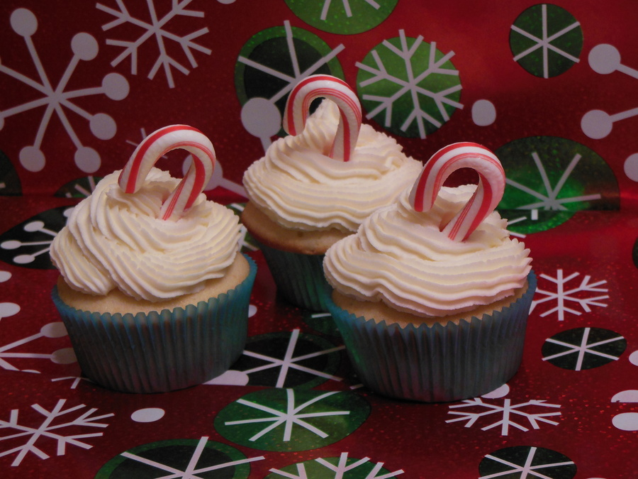 Vanilla Peppermint Cupcakes on Cake Central