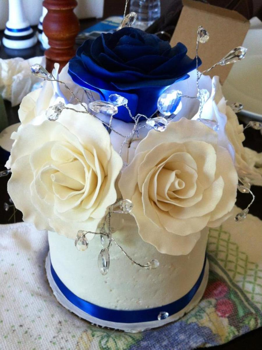 Top Tier Of A Wedding Cake With Hand Made Gum Paste Roses on Cake Central