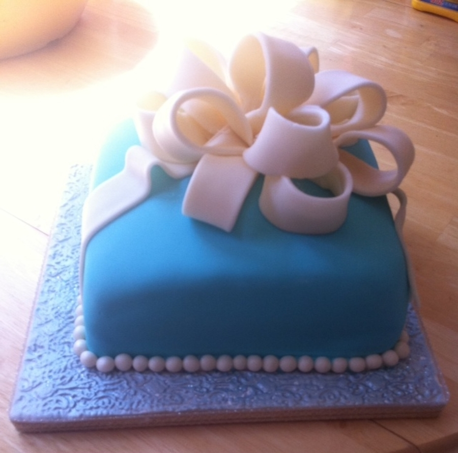 Tiffany Blue Cake on Cake Central
