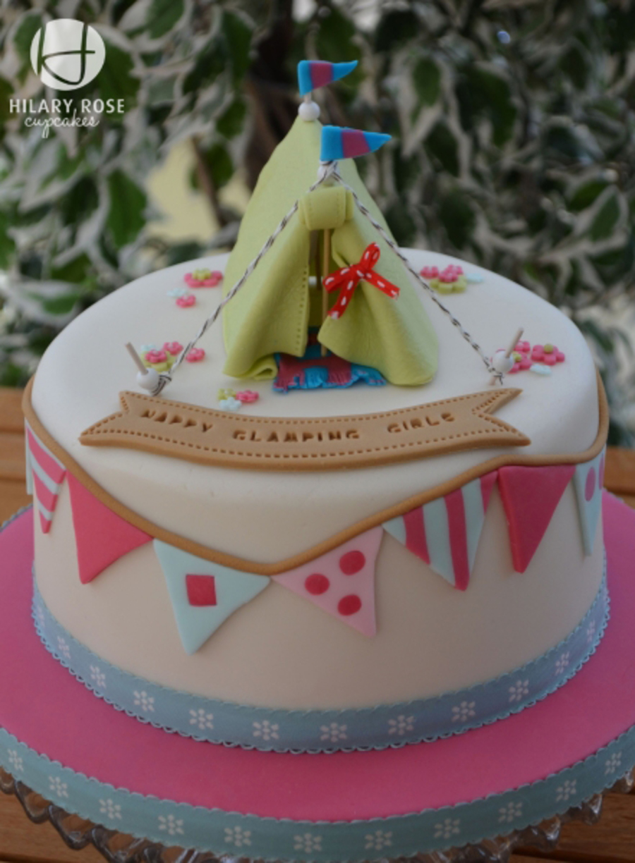 A Cake For A Very Cold Glamping Weekend Cakecentral Com