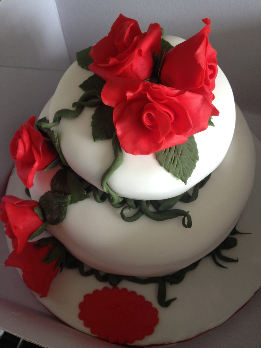 Red Rose Cake on Cake Central