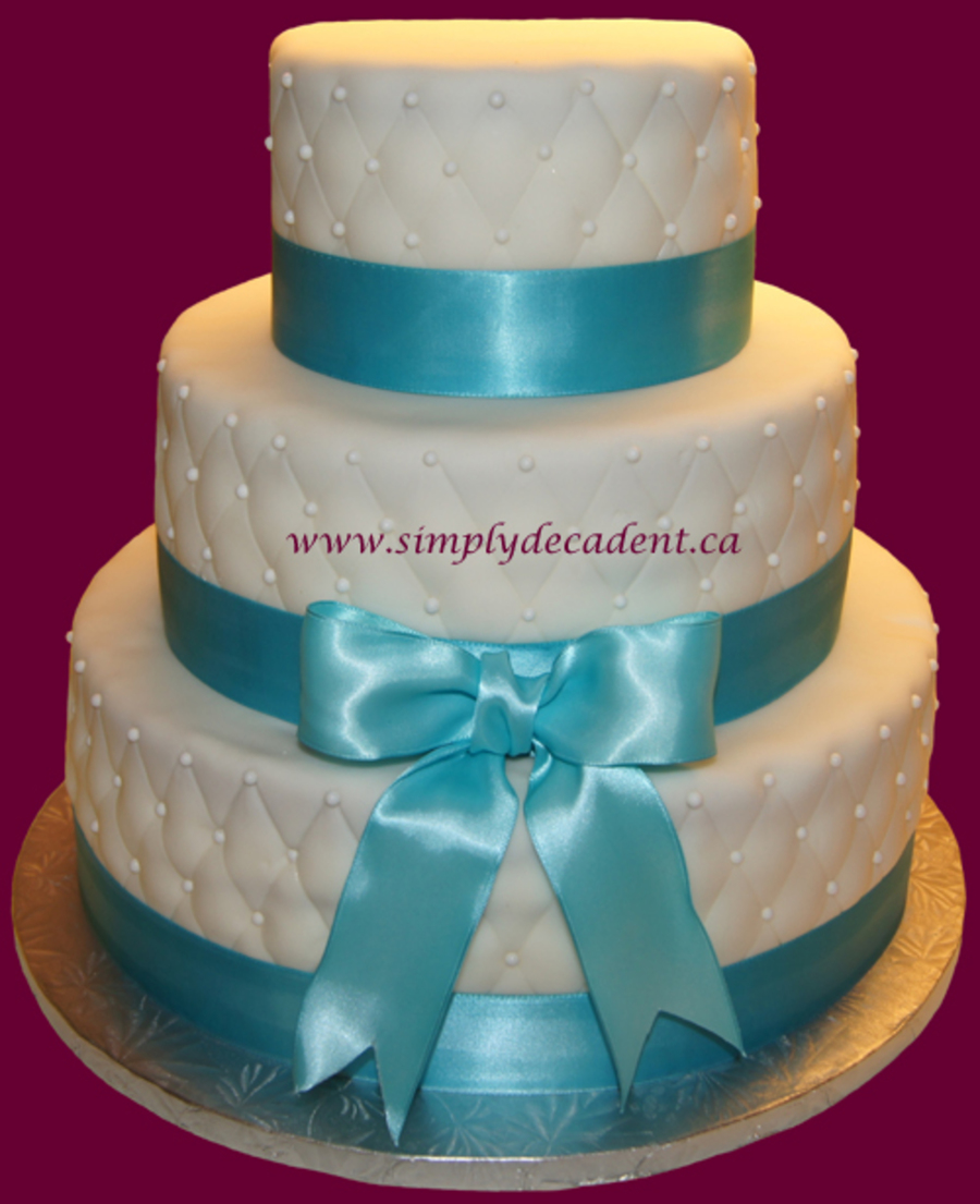 Cake With Fondant Ribbon : 3 Tier Quilted Fondant Wedding Cake With Pearls Amp ...