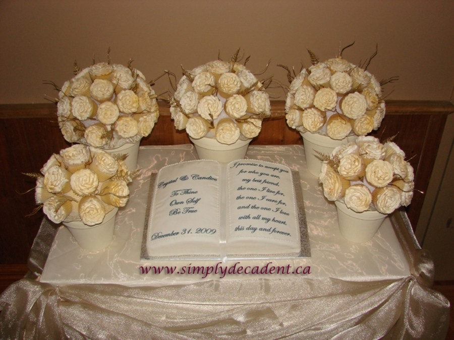 Rose Bouquet Wedding Cupcakes & Book on Cake Central