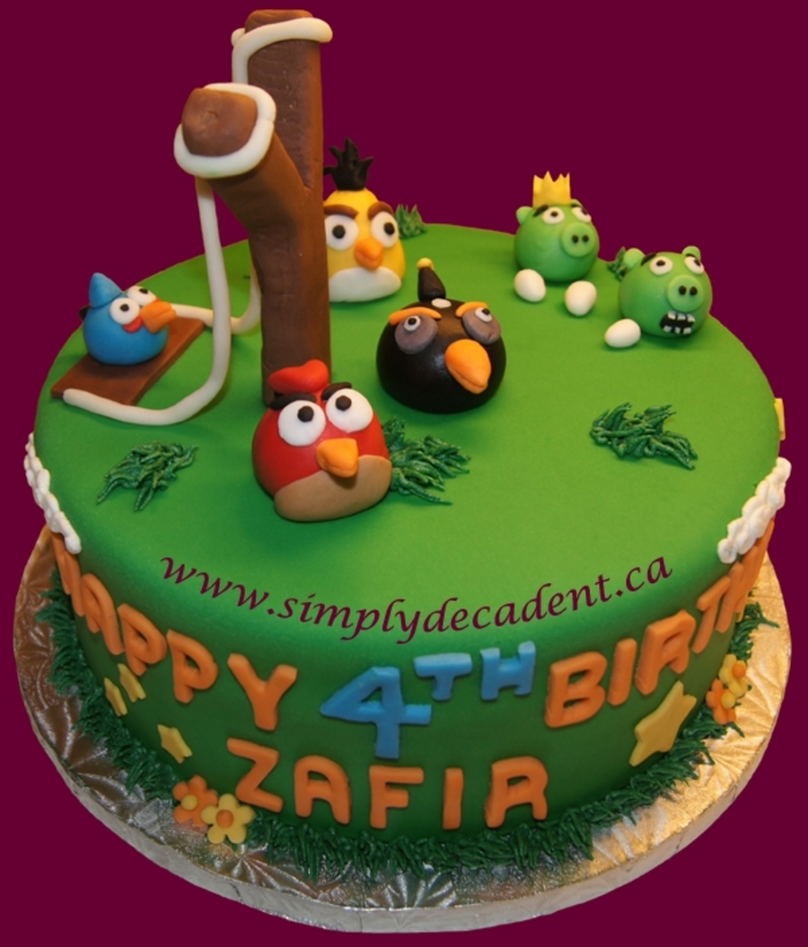 Fondant angry birds cake for Angry birds cake decoration