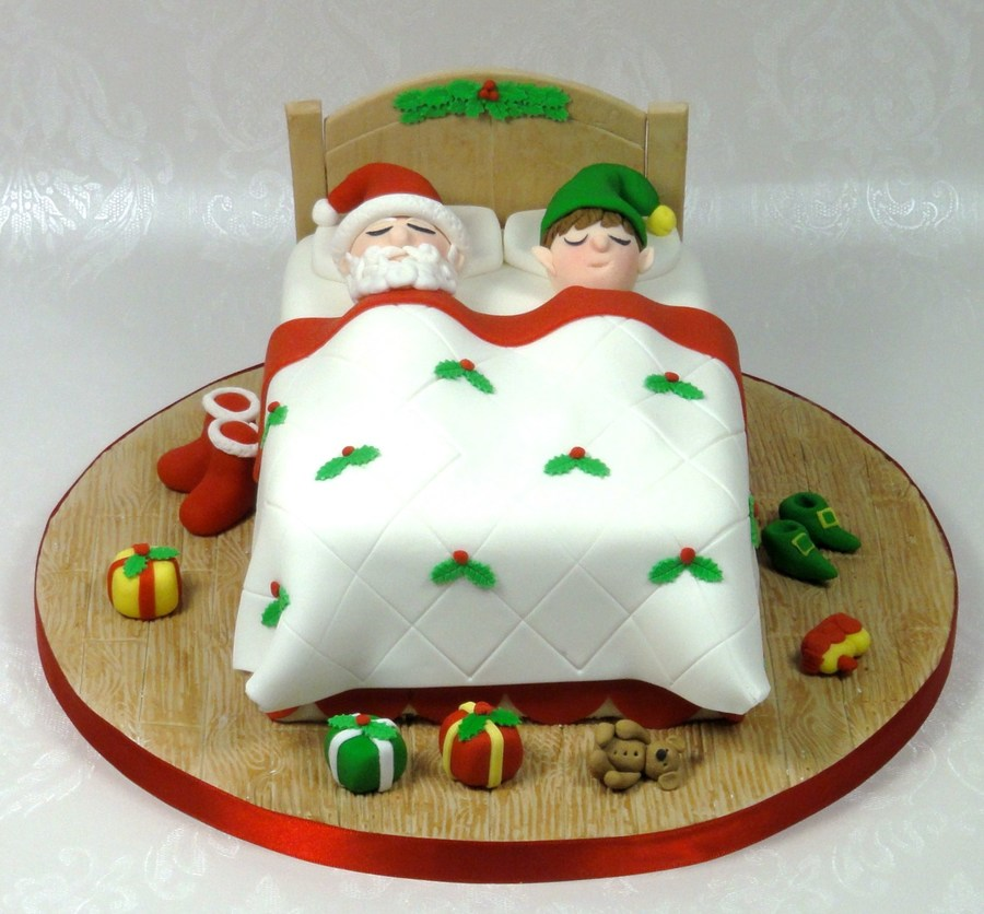 Cake Decorating Father Christmas : Santa Bed Christmas Cake - CakeCentral.com