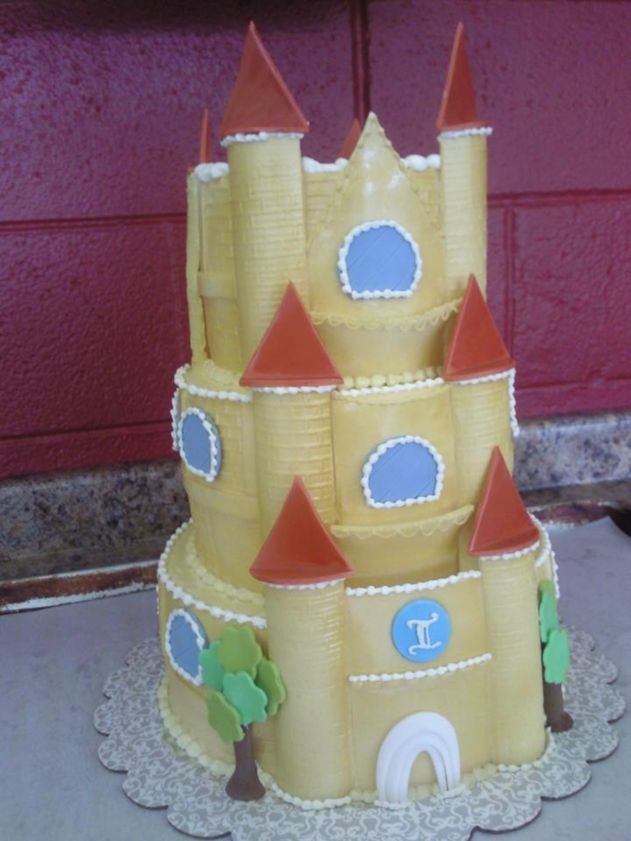 Golden Castle on Cake Central