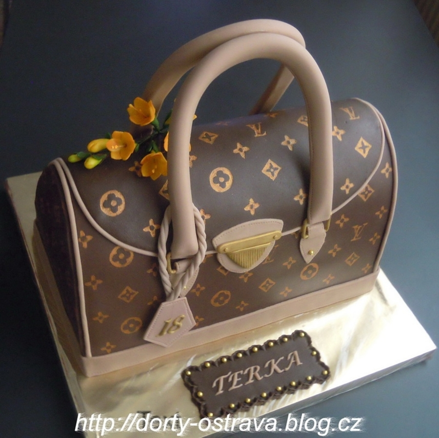 Lv Handbag on Cake Central