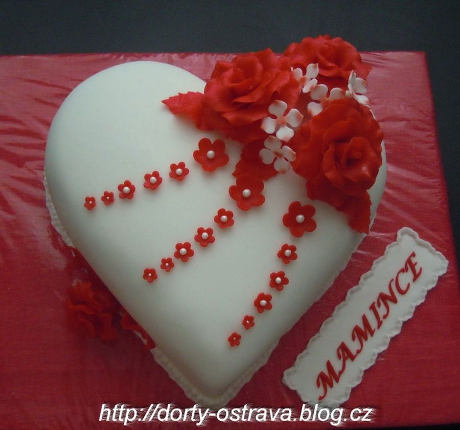 The Heart With Roses on Cake Central