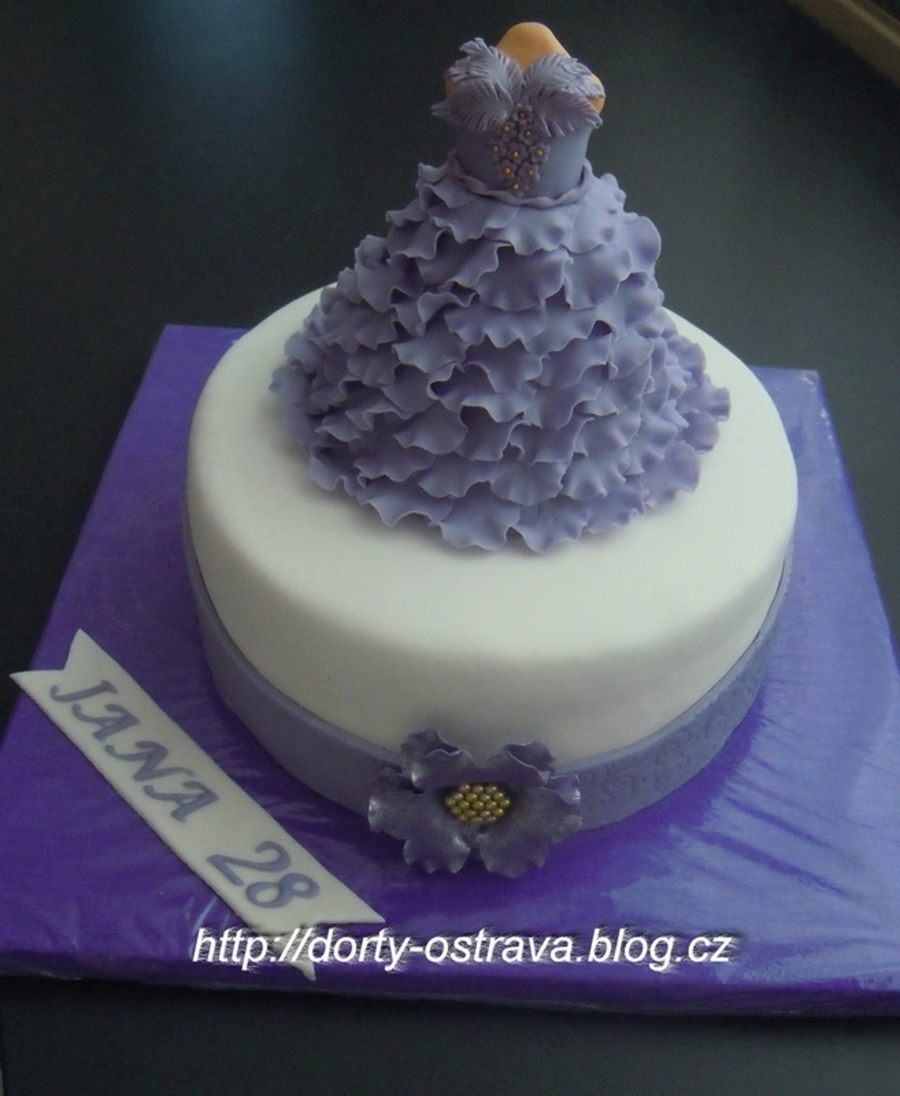 The Dress  on Cake Central