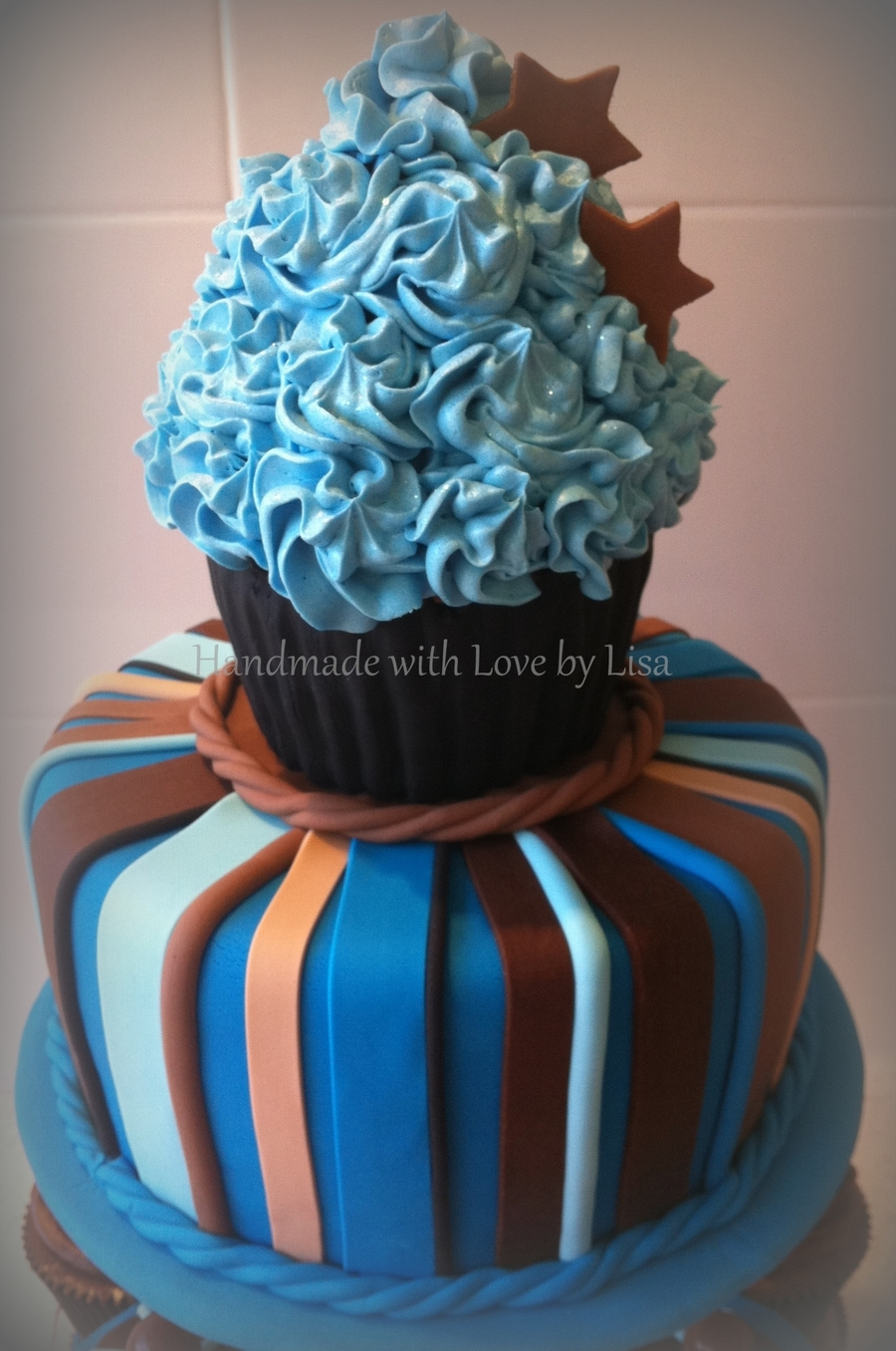Giant Cupcake For A Men S Birthday Cakecentral Com