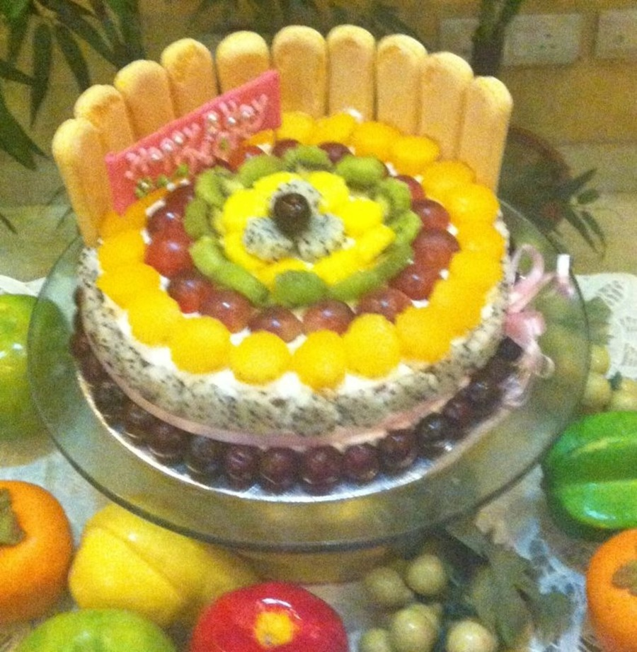 Fresh Vanilla Cake Filled With Fresh Fruit And Creamtopped And Covered With Rich Cream And More Fresh Fruits on Cake Central