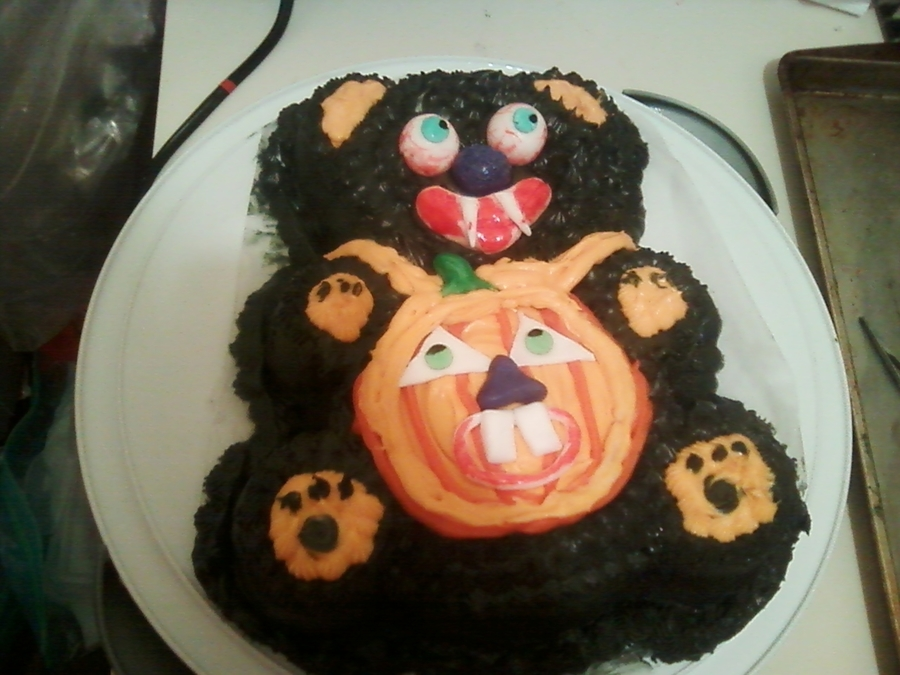 Scare Bear on Cake Central
