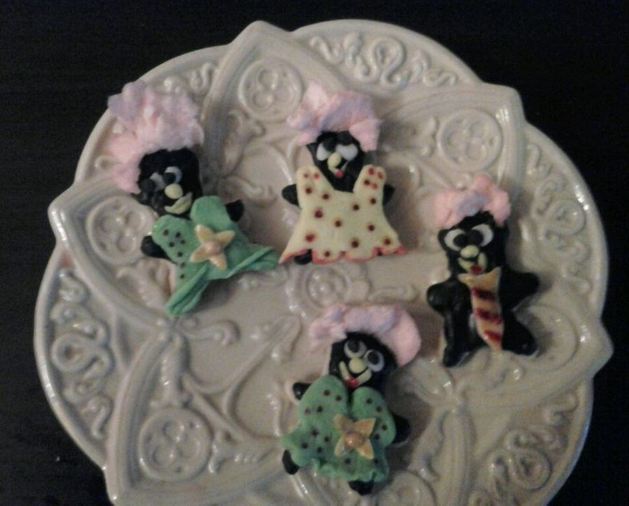 Me, And My Ghouls. Halloween Fun! on Cake Central