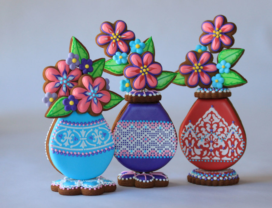 Cookie Flower Vases on Cake Central