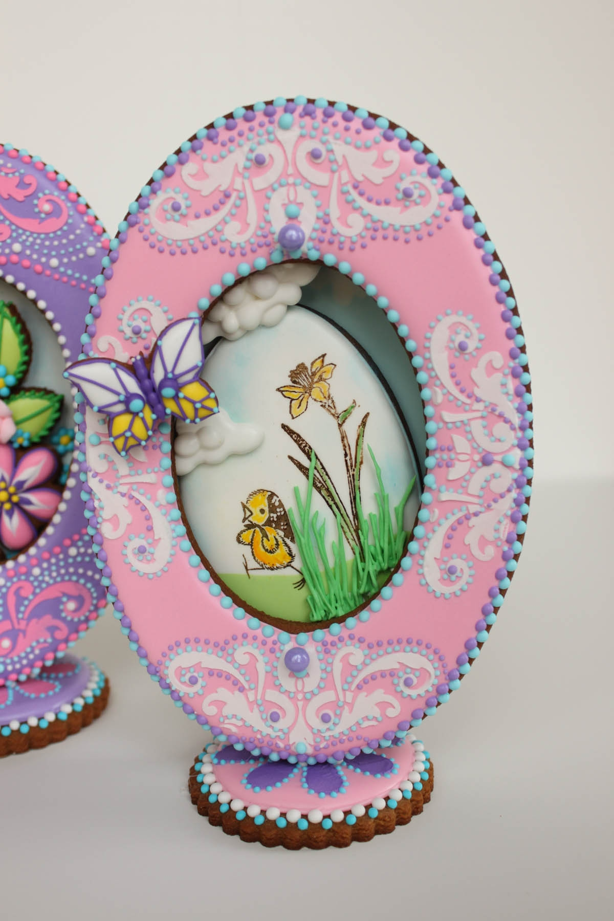 Small 3-D Pink Faberge Egg Cookie on Cake Central