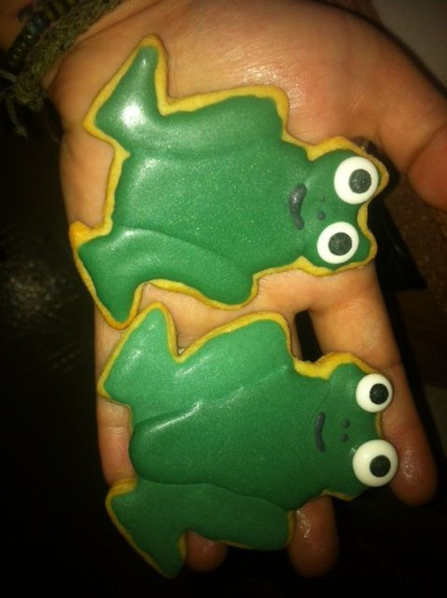 Frog Cookies on Cake Central