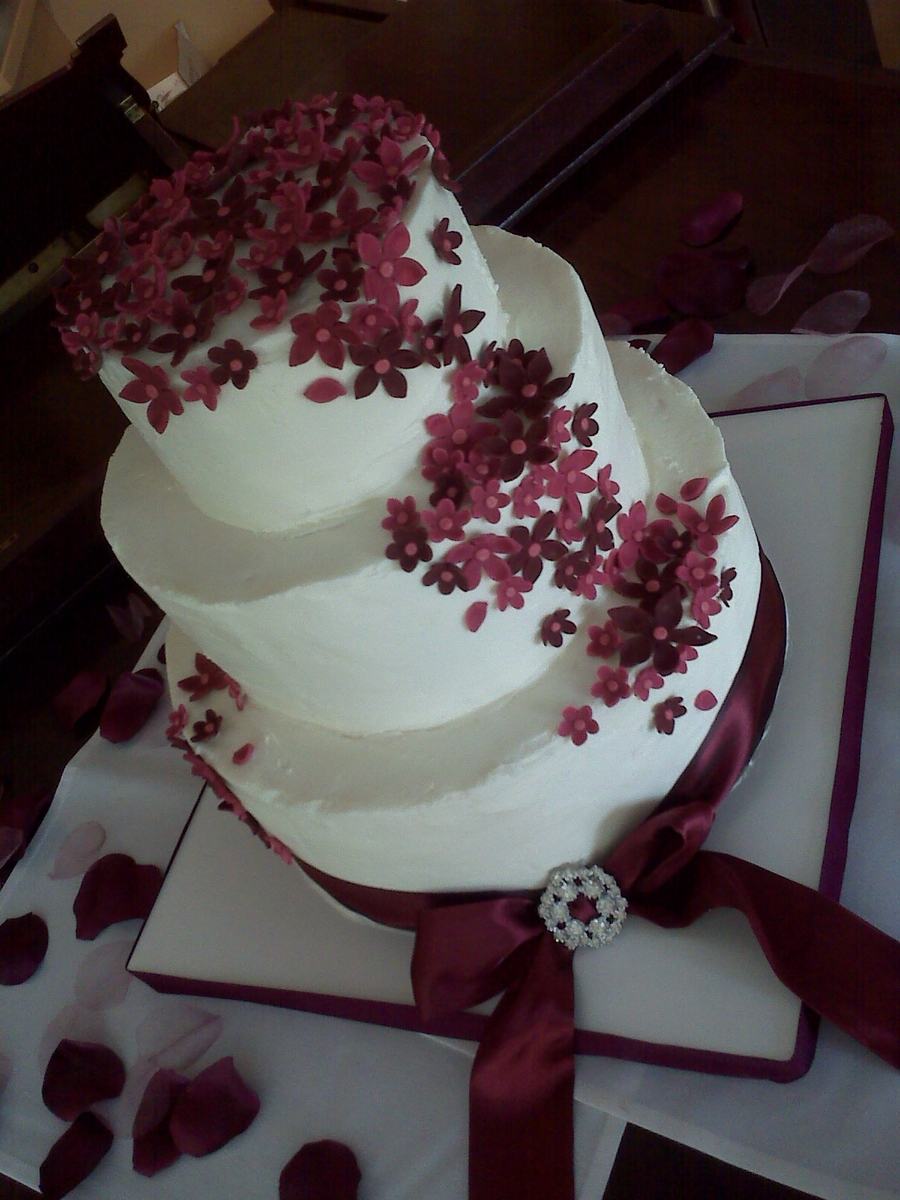 Beautiful Burgundy on Cake Central