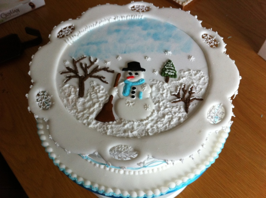 Royal iced christmas cake for Iced christmas cakes