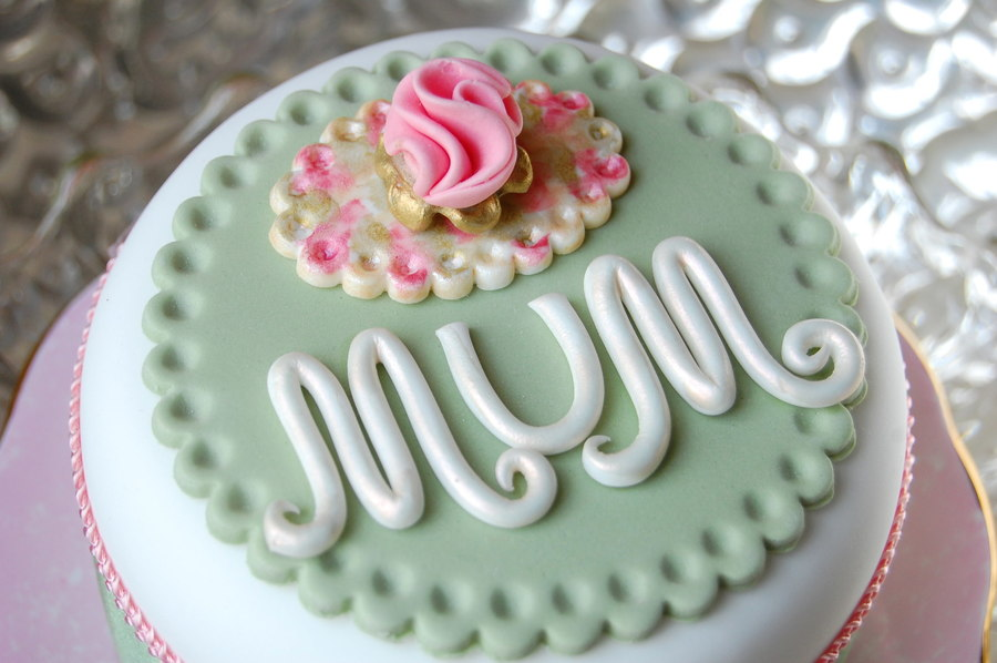 Mum Vintage Style Cake on Cake Central