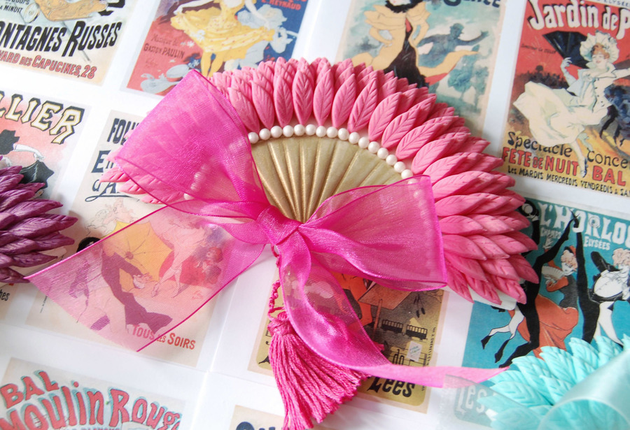 Belle Epoque Feather Fan Cake Decoration Pink/gold on Cake Central
