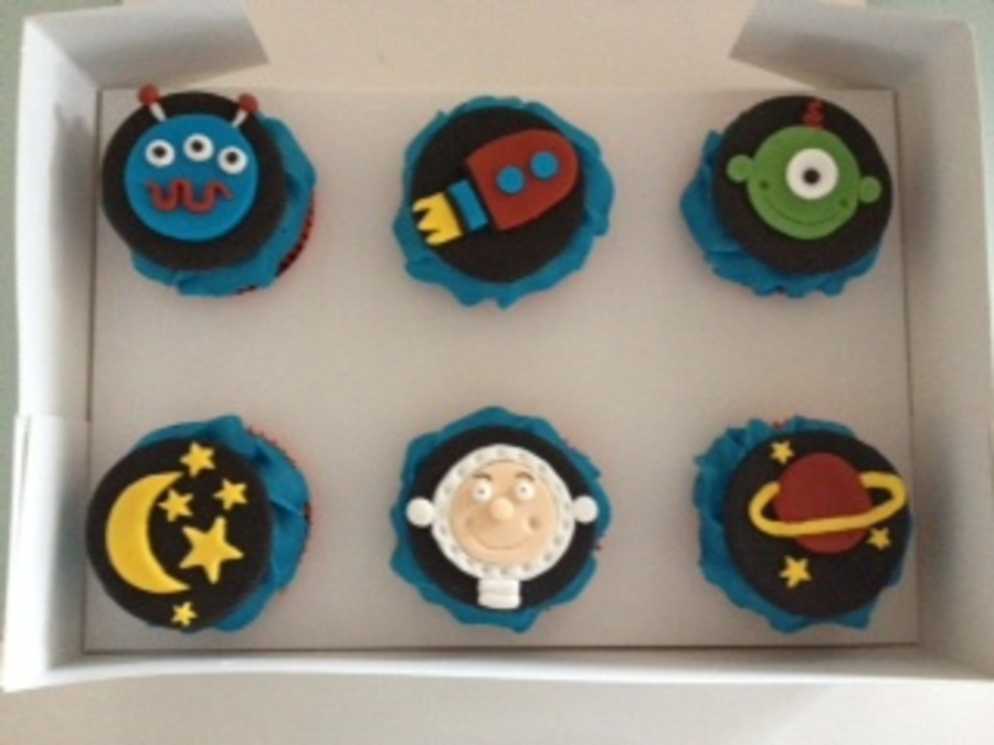Space Cupcakes on Cake Central