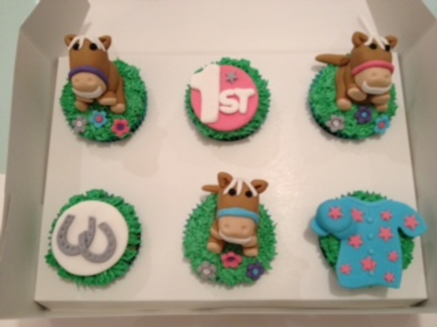 Melbourne Cup Cupcakes on Cake Central