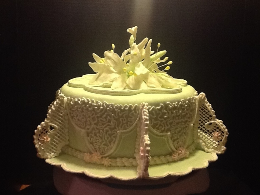 First Filigree Cake on Cake Central