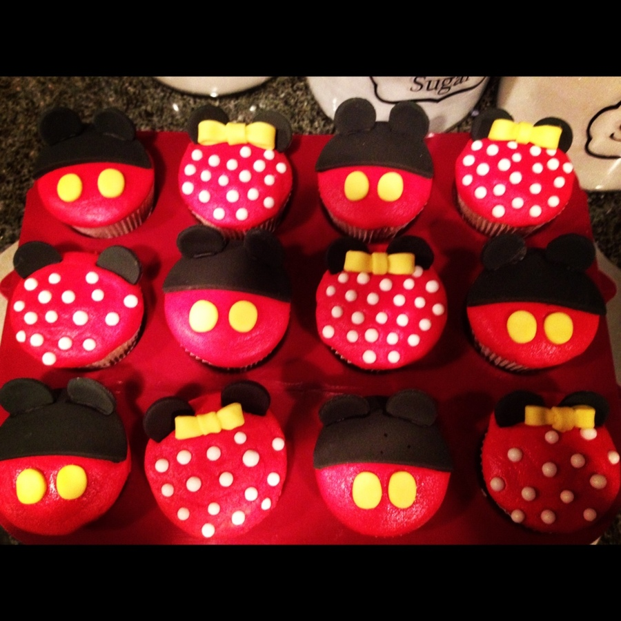 Mickey And Minnie Mouse Cupcakes - CakeCentral.com