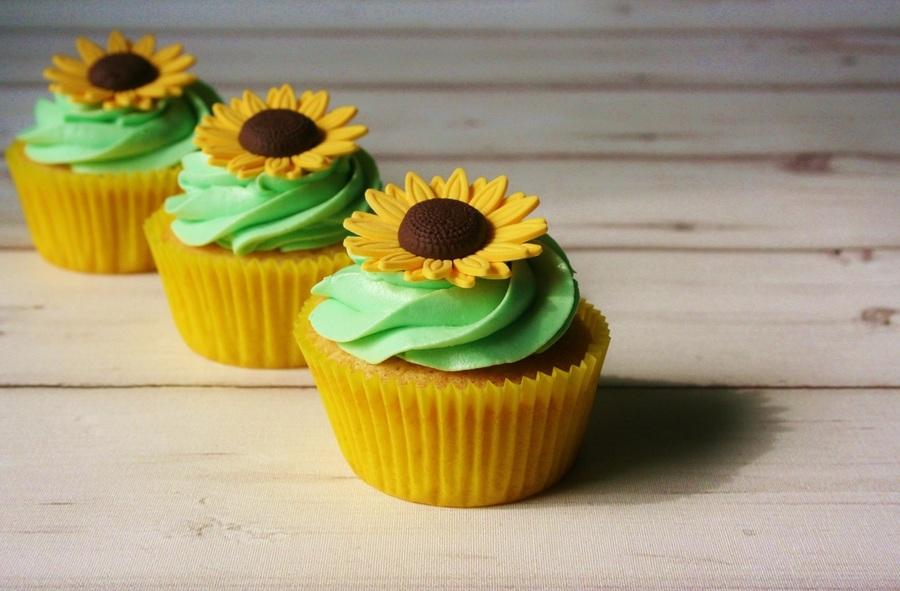 Sunflower Cupcakes CakeCentralcom