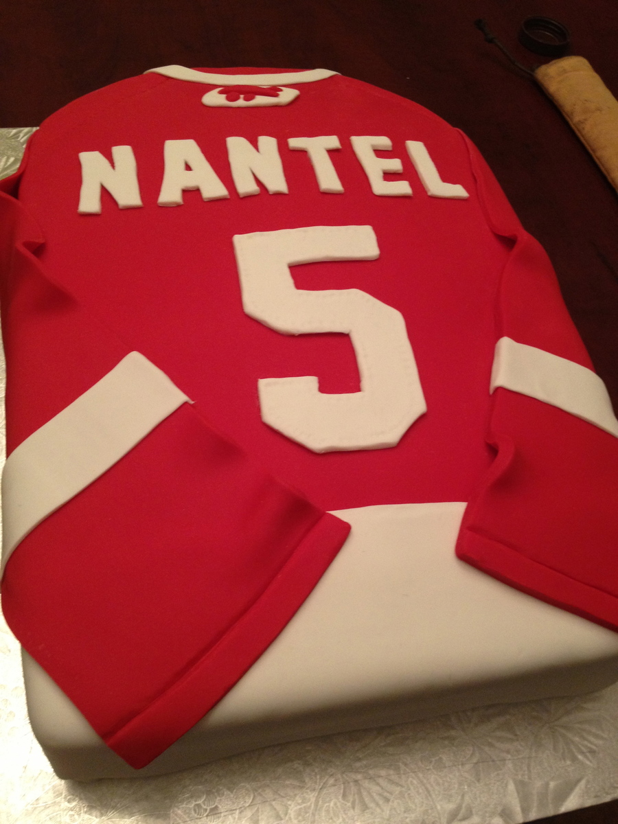 Red Wings Jersey on Cake Central