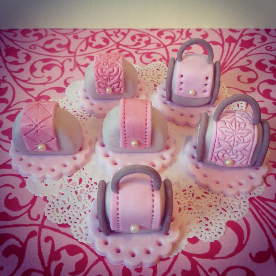 Cute Bags  on Cake Central