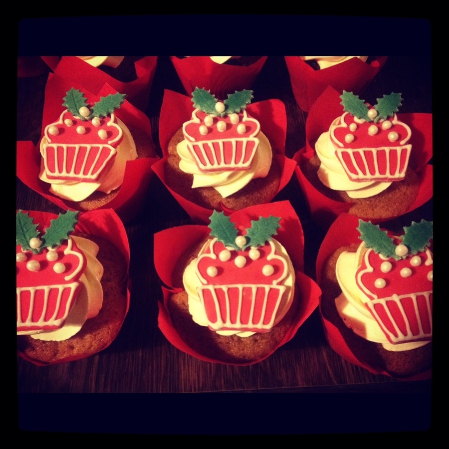 Christmas Cupcake Cupcakes on Cake Central