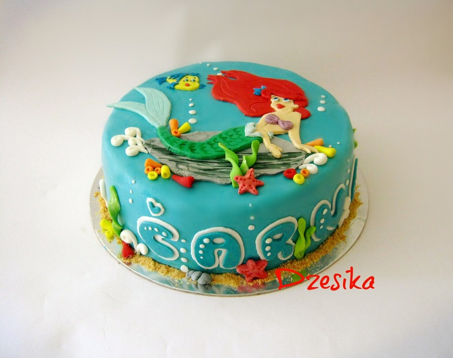 Little mermaid cake for Ariel cake decoration