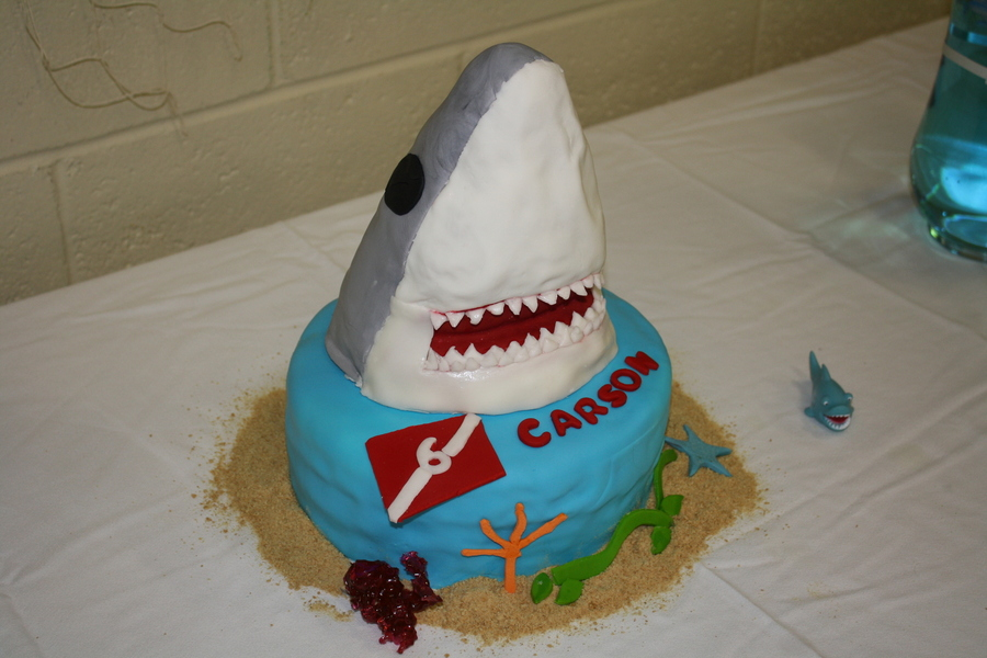 Great White Shark on Cake Central