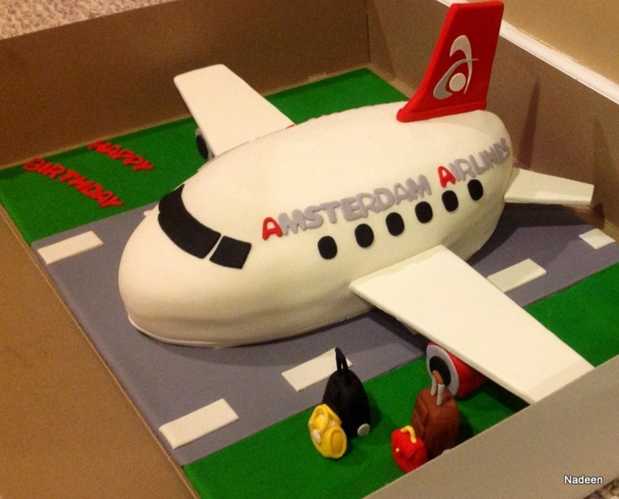 Airplane Cake Everything Edible Except For Wings And Tails on Cake Central