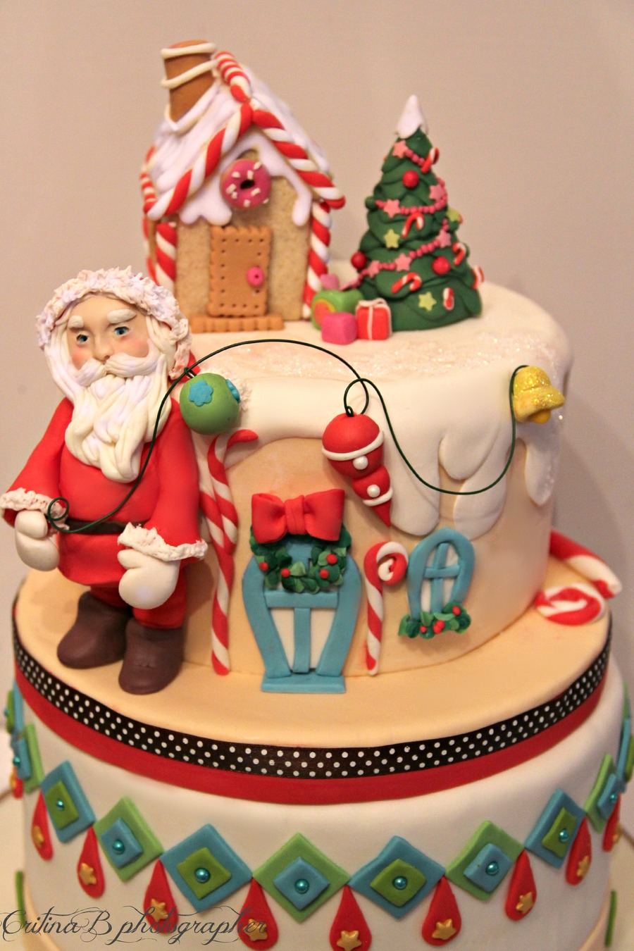 Santa's Magic Cake on Cake Central