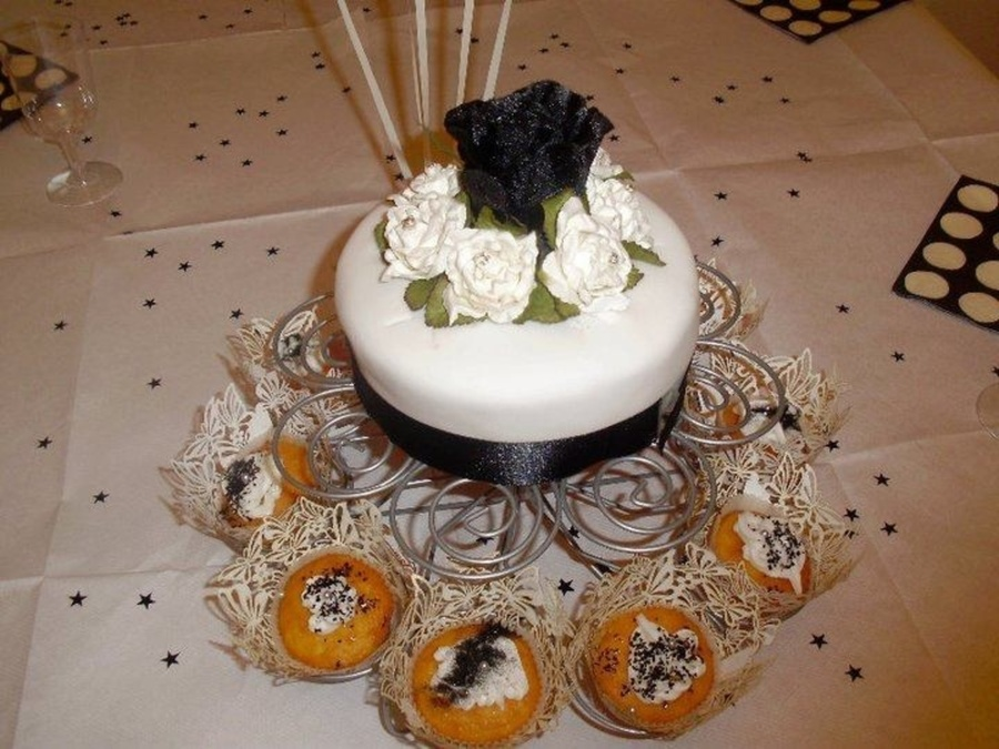 Black And White Theme Cake on Cake Central