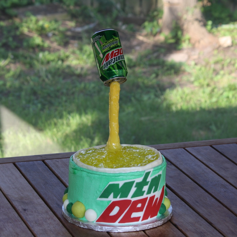mt dew cake mountain dew birthday cake for my sonhe loved it inside is 6064