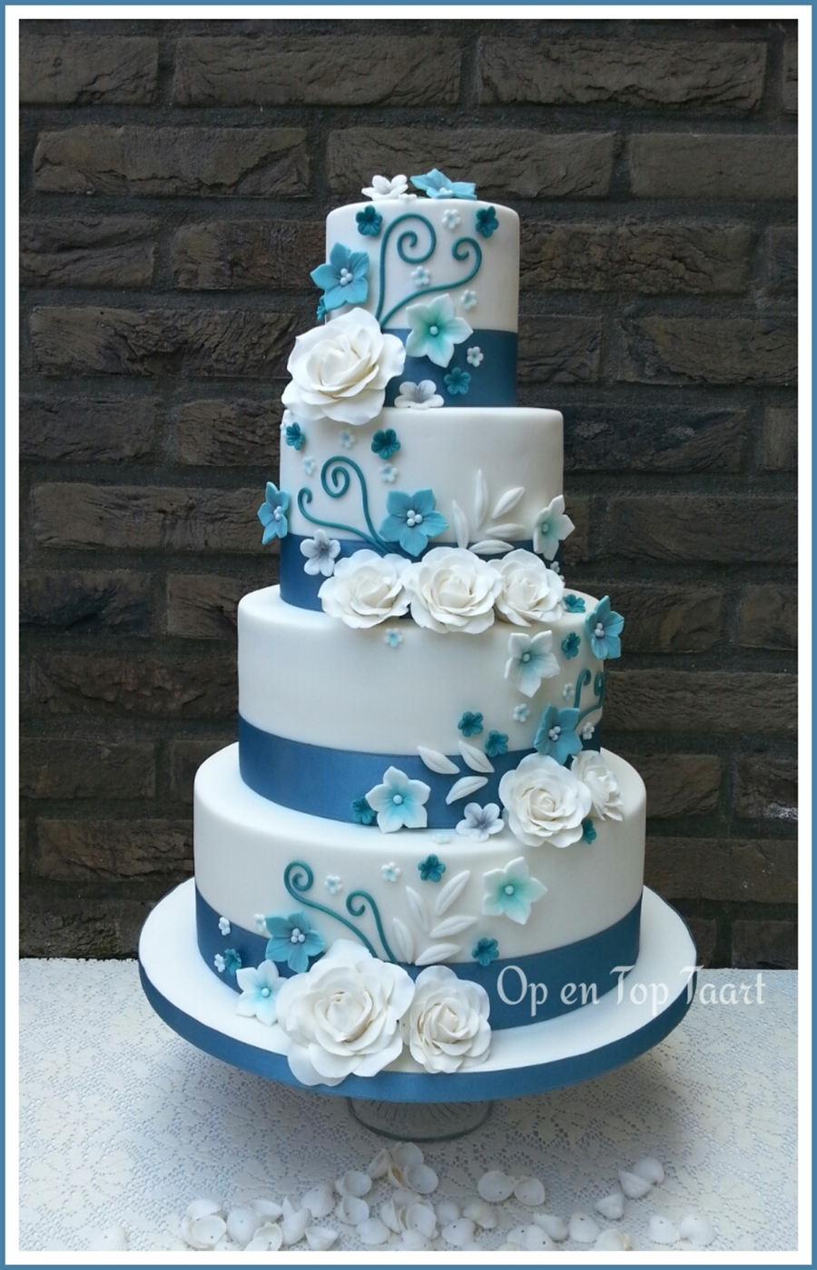 Turquoise Ribbons, White Roses on Cake Central