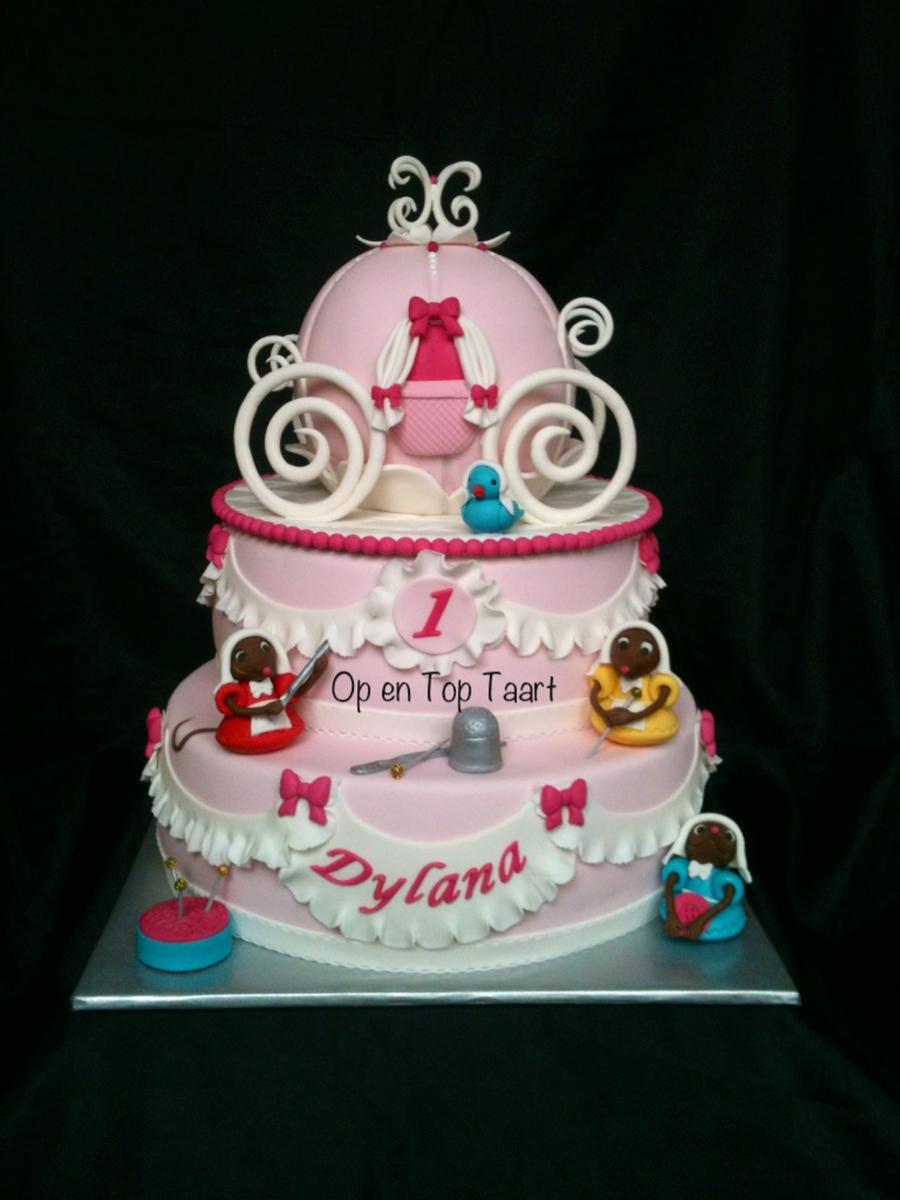 Cinderella S Carriage Birthday Cake Cakecentral Com