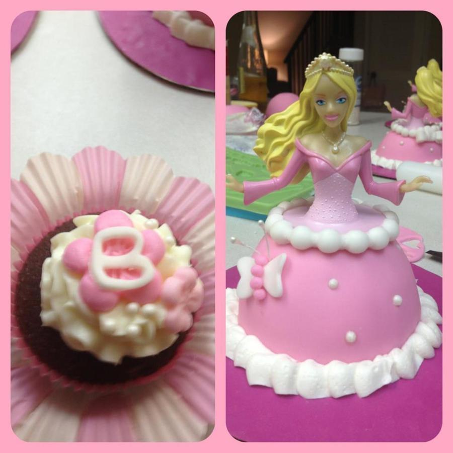 Birthday Cakes And Gum Paste/fondant Work