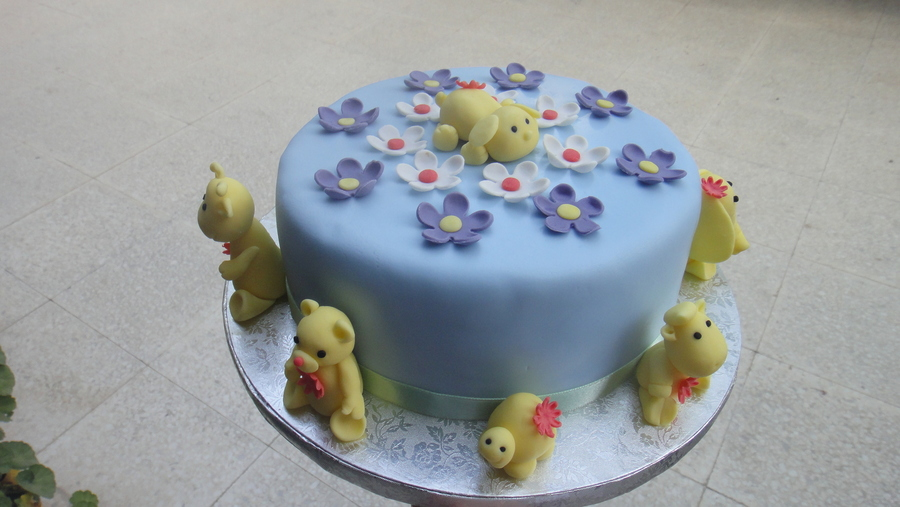 Funny Animals.  on Cake Central