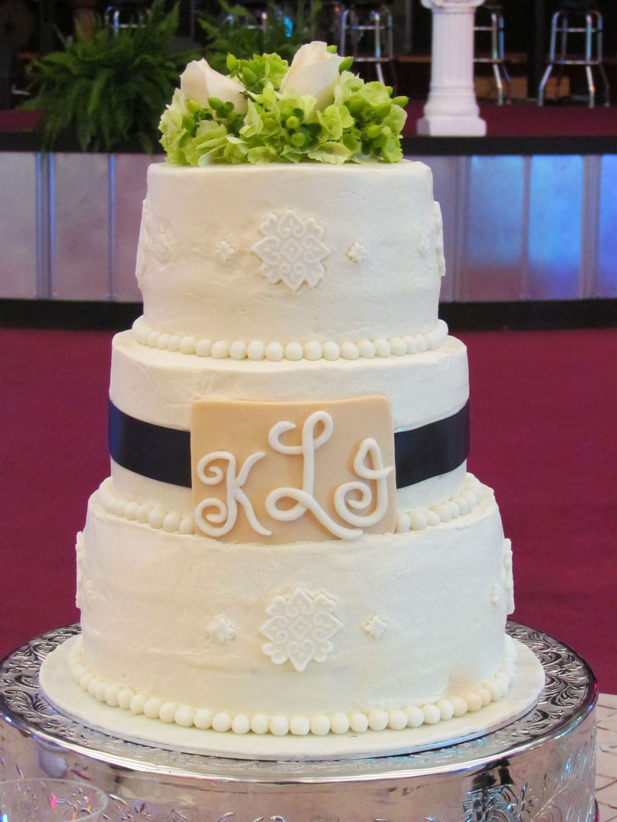 3-Tier Wedding Cake on Cake Central