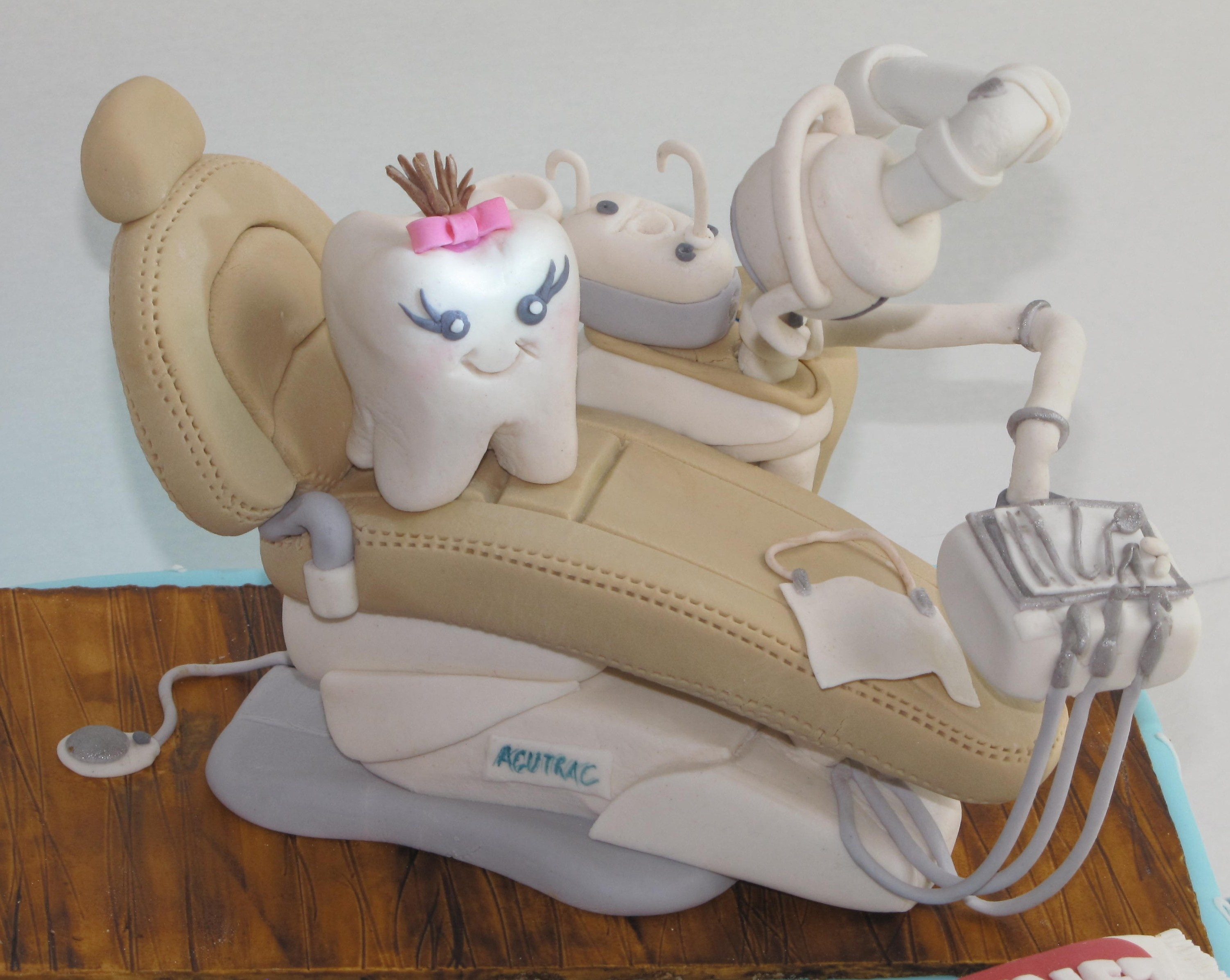 Dentist Chair With Working Light CakeCentral