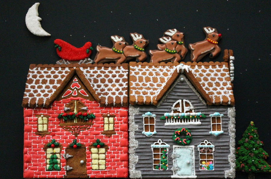Reindeer On The Roof Gingerbread House 2012  on Cake Central