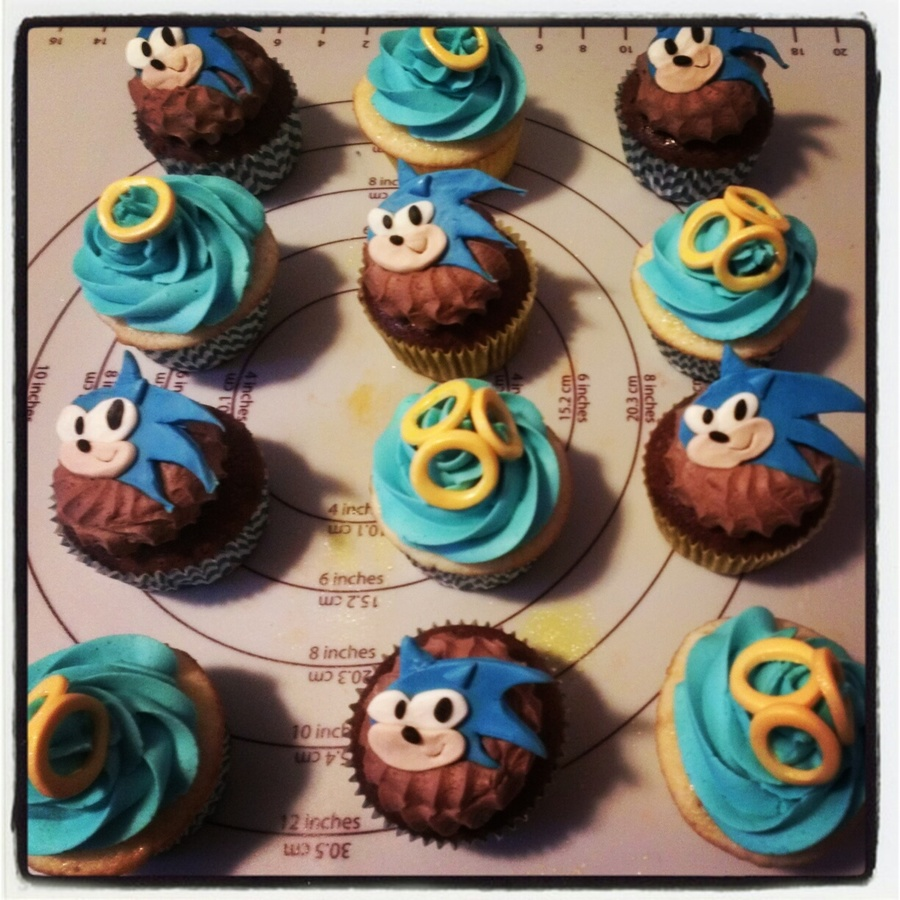 Sonic The Hedgehog Cupcakes - CakeCentral.com