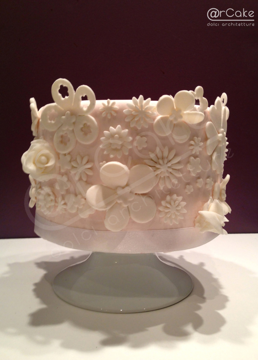 Total White Flowers on Cake Central