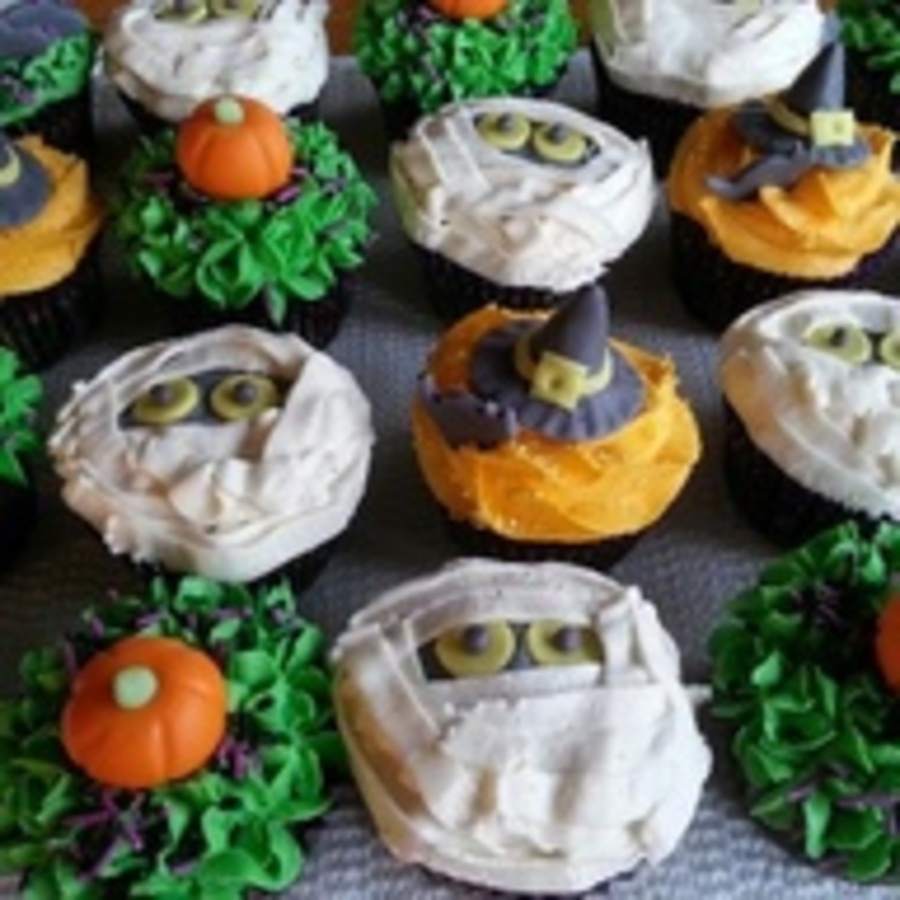 Halloween Fondant Cupcakes on Cake Central