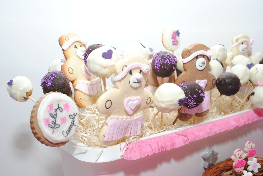 Cookies And Popcakes For Tini on Cake Central